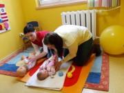 Jak podnosić dziecko